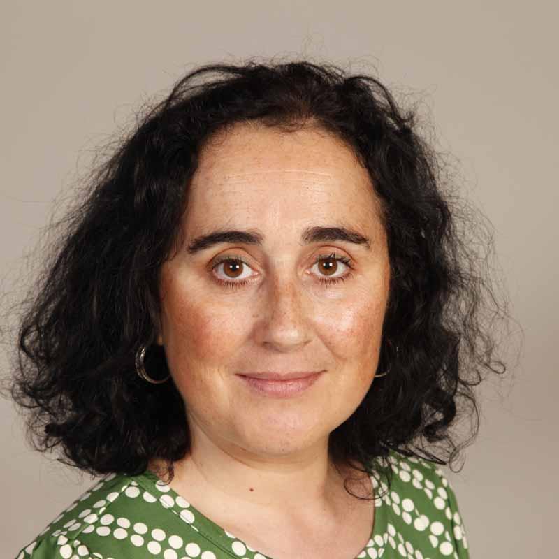 Foto de la investigadora Milagros Sáinz Ibáñez